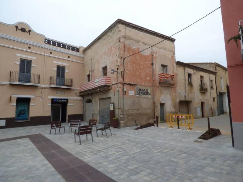 Casa  Vilabertran ,centro. Edificio de 300 m2 para reformar. ideal comercio y vivienda