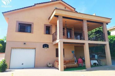 Casa adosada en venta en Circular, 190, Valdenuño Fernández