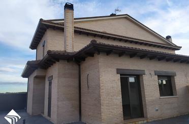 Casa adosada de alquiler en Alcalde Luis Felipe Auñon, El Casar