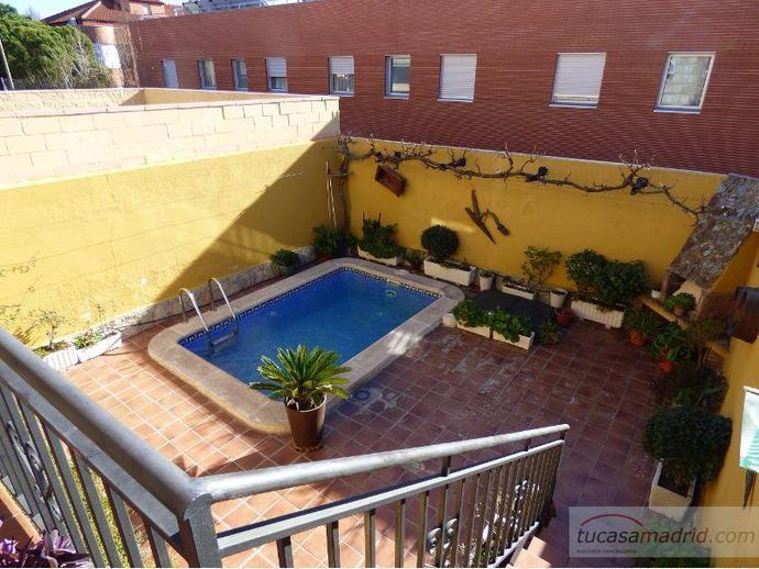 Casa adosada en madrid capital en hortaleza en hortaleza for Piscina hortaleza