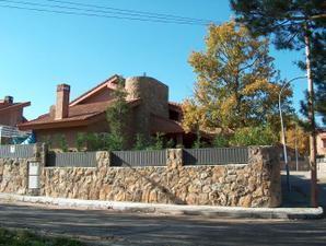 Chalet en Alquiler en San Carlos / Becerril de la Sierra