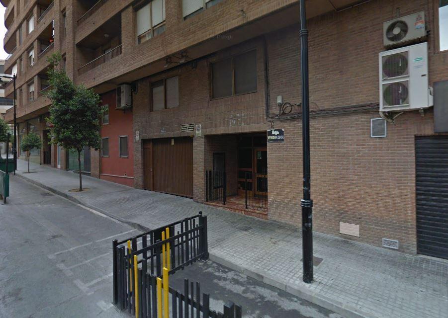 Lloguer Aparcament cotxe  Calle músico vert, 22. Plaza de garaje en sótano primero. acceso con ascensor. económic