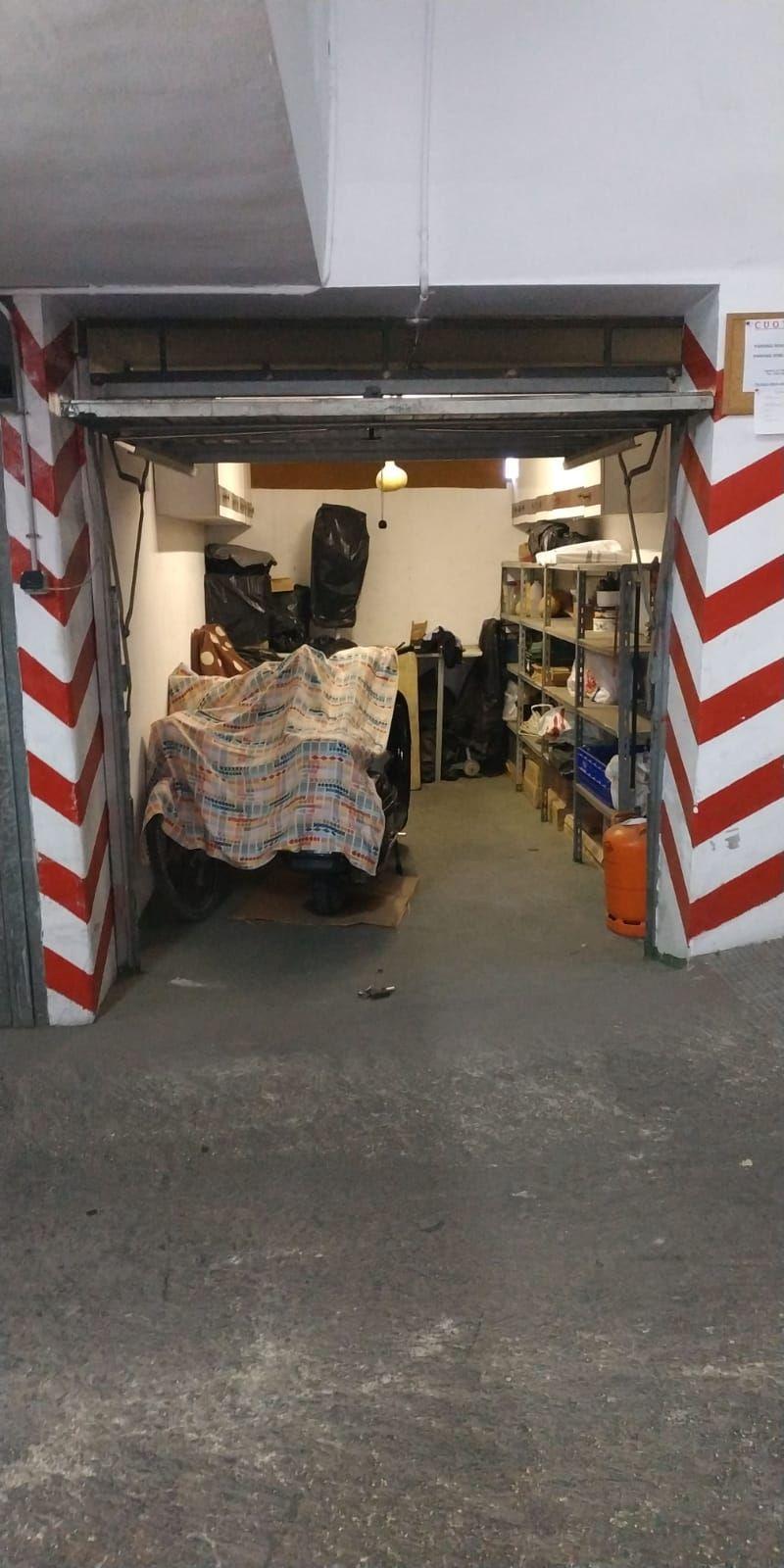Aparcament cotxe  Centro. Garaje cerrado en el centro de villajoyosa (alicante)