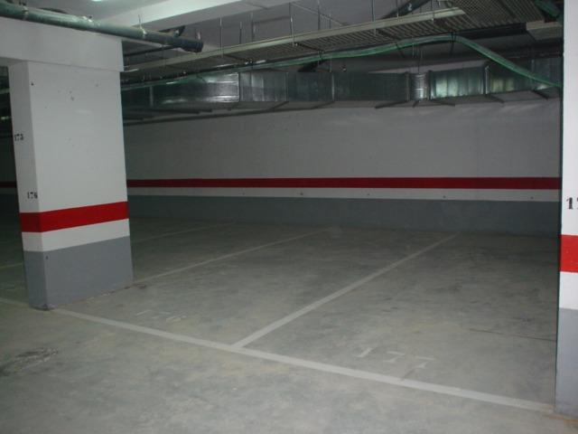 Alquiler Parking coche  Gandia ,centro. Garajes en el centro