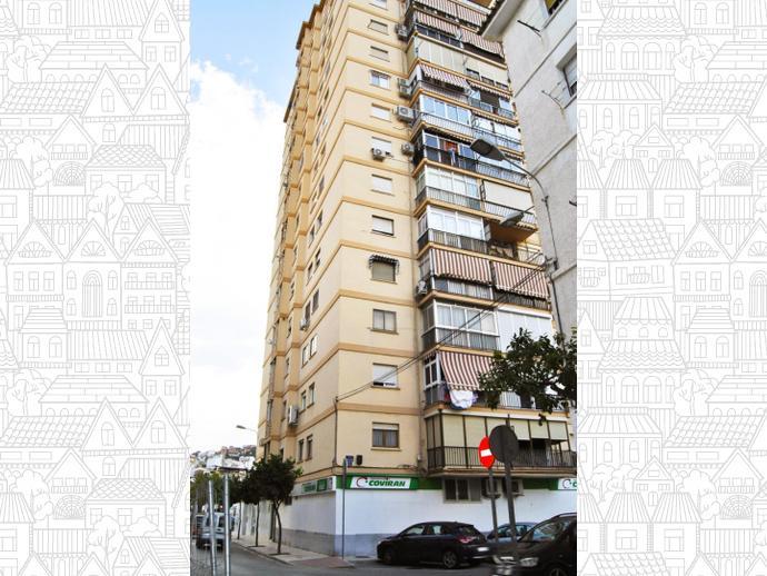 Foto 2 de Piso en Plaza Ronda / Barrio de Ciudad Jardín, Málaga Capital