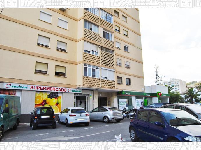 Foto 1 de Piso en Plaza Ronda / Barrio de Ciudad Jardín, Málaga Capital