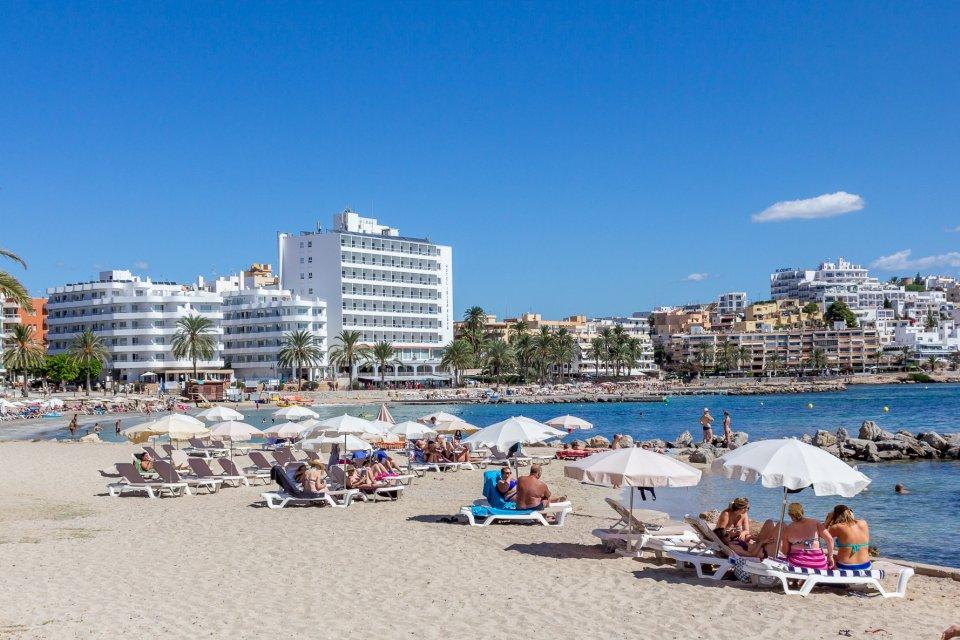 Edificio  Eivissa - ses figueretes - platja d'en bossa - cas serres