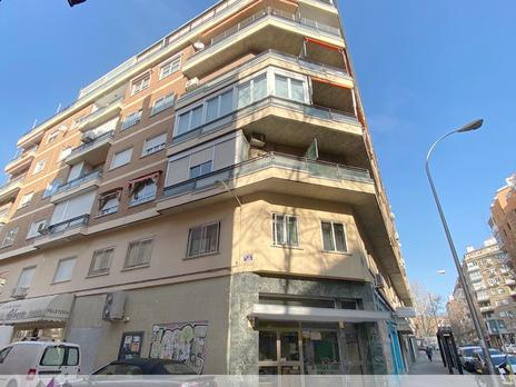 Offices to rent at España