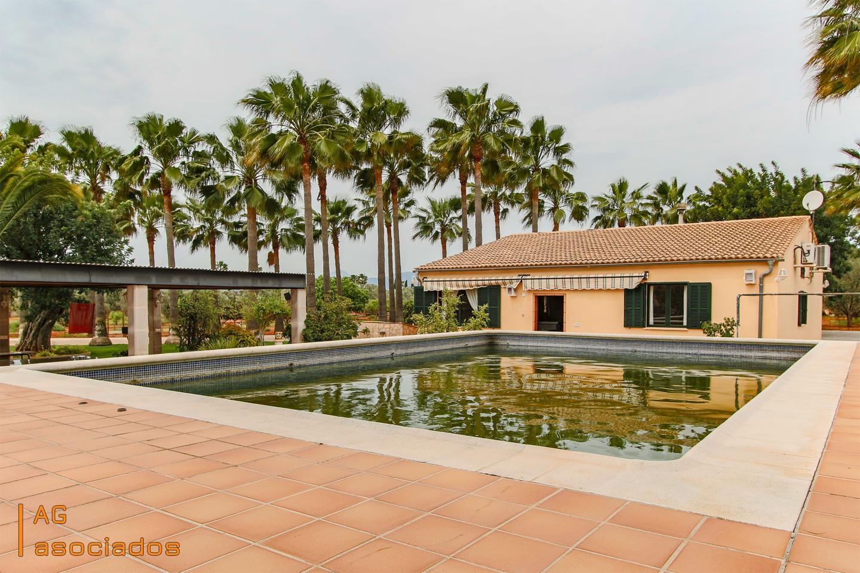House in Son Ametller. Finca rústica en marratxí con un inmenso jardín muy bien cuidado