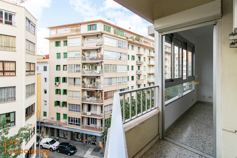 Alquiler Piso en Camp D´en Serralta. Amplio piso en avenida argentina, con todos los comercios y serv