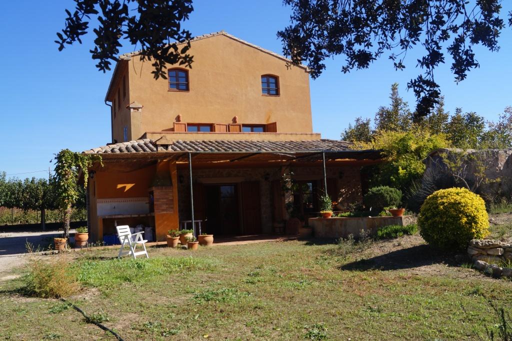 Casa  Ribera d'ebre - miravet. Finca rústica espaciosa y en muy buen estado con masía( cerca de