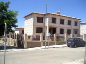 Chalet en Venta en Bargas / Bargas