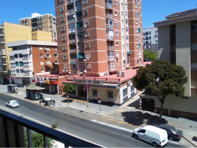 Foto 1 de Piso en Gamarra / Gamarra - La Trinidad, Málaga Capital