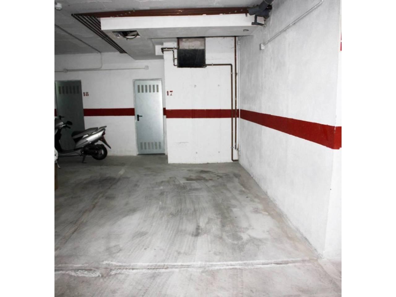 Garaje en venta en Alaró