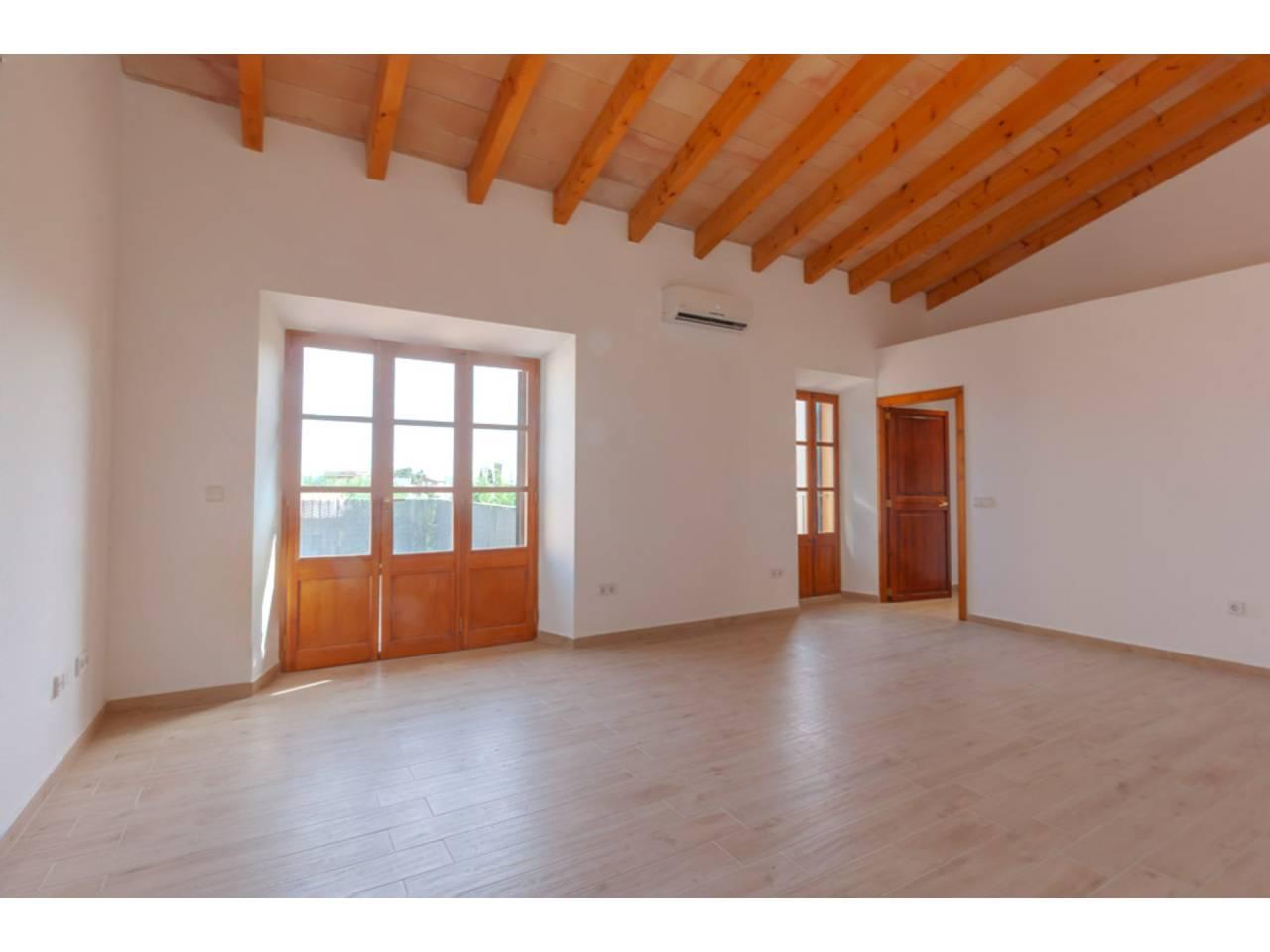 Flat  Santa eugènia. Primer piso techo libre en santa eugenia. totalmente restaurado