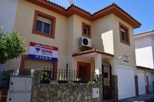 Casa adosada en Alquiler en Melilla, 30 / Illescas