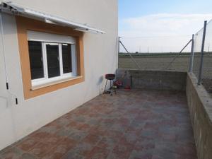 Casa adosada en Venta en Monfarracinos, Zona de - Roales / Roales