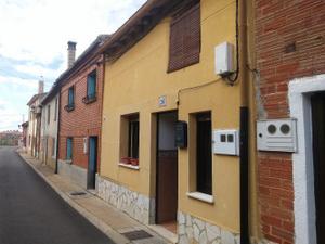 Casa adosada en Venta en Arroyos, 26 / Melgar de Fernamental