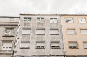 Piso en Venta en Calle Rias Baixas- / Sarria