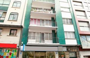 Piso en Venta en Avenida Rosalia de Castro / Ribeira