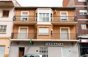 Piso en Venta en Avenida Aragon - / Alhama de Aragón