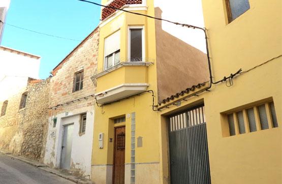 Casa  Calle de los desamparados. Bonito chalet adosado, distribuido en tres plantas, ubicado en l