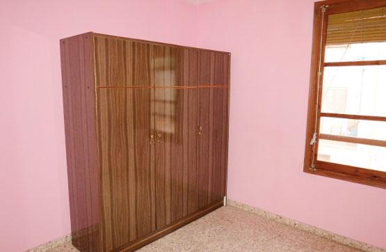 Pis  Calle corachar, 17. Se vende piso ubicado en la cuarta planta de un edificio de vivi