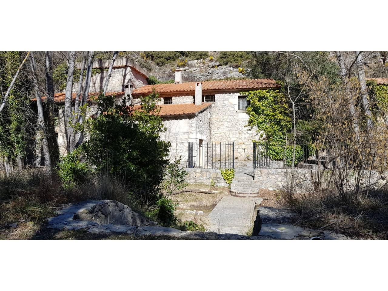 Casa  Poligono industrial moli regolfo, 1. Este molino restaurado se encuentra a 3 km del parque natural de