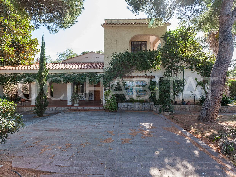 Casa  Serra. Oc habitat con la garantía de olivares consultores tiene a la ve