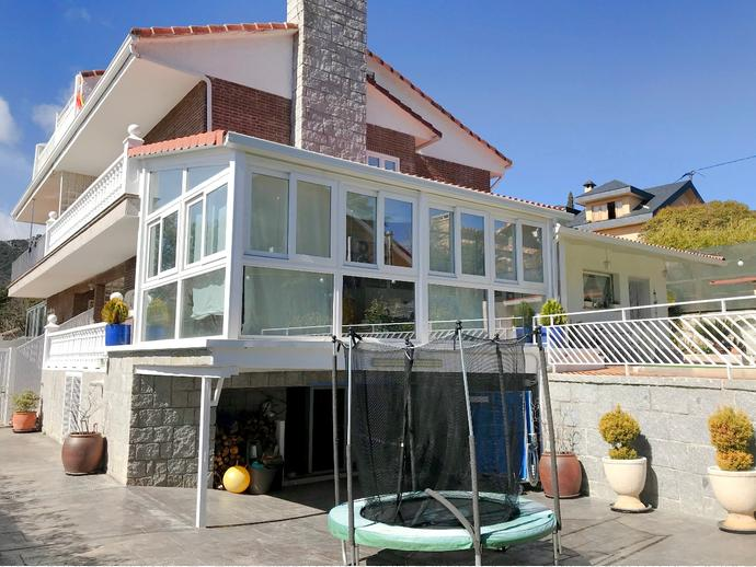 Casa adosada en Hoyo de Manzanares en Calle Salmerona 146144249 ...