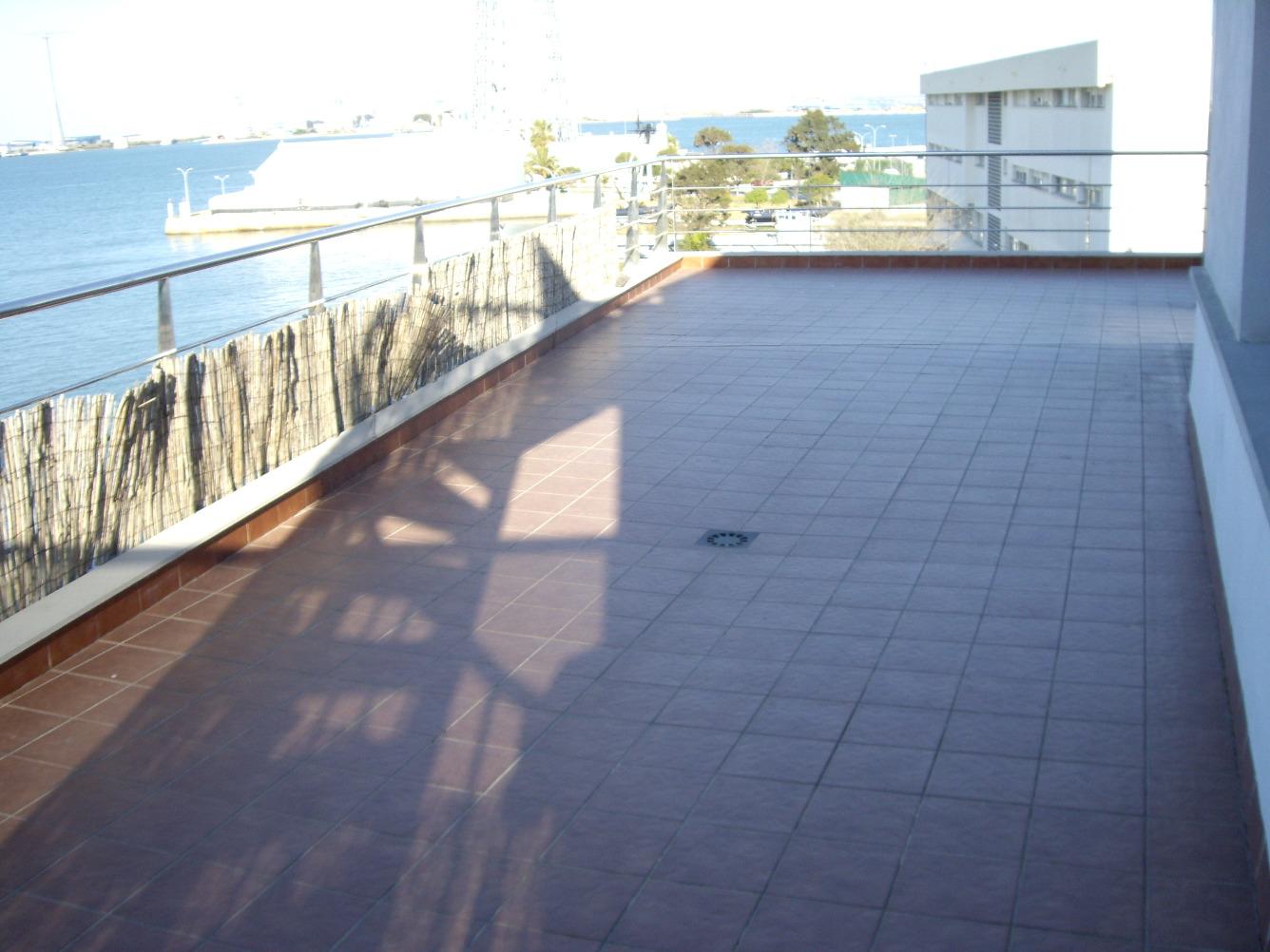 Ático en alquiler en Cádiz Capital - Puntales - Zona Franca