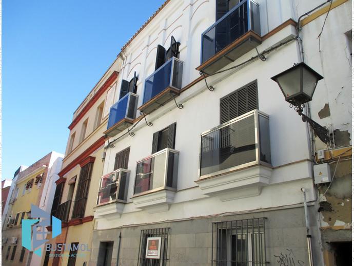 Piso en sevilla capital en casco antiguo en calle juan for Servicio tecnico jane sevilla calle feria