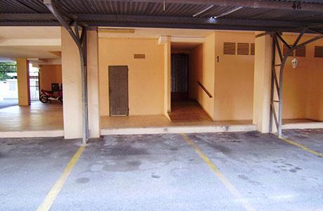 Aparcament cotxe  Avenida madrid-4, 6 y 8-faropesa la pina. Plaza de aparcamiento nº 45 tiene una superficie útil de 10 m2.