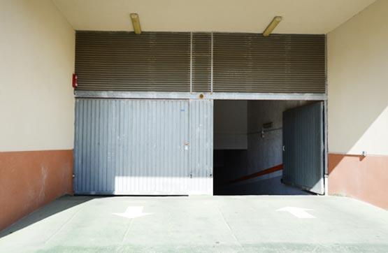 Posto auto  Calle villeneuve les avignon 63 65. La plaza de garaje está señalada con el nº 86. éste es sólo uno