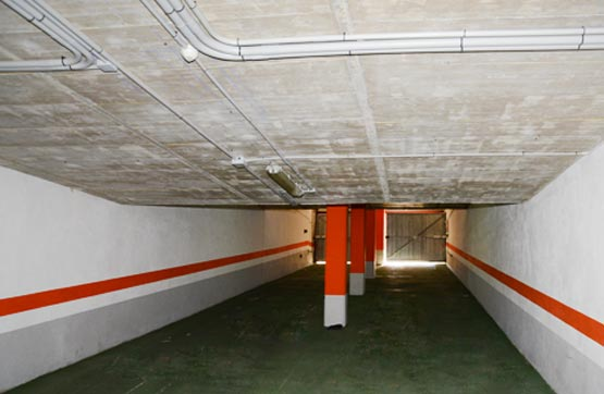 Posto auto  Calle villeneuve les avignon 63 65. La plaza de garaje está señalada con el nº 31. éste es sólo uno