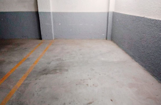 Aparcament cotxe  Calle casablanca, 17. Plaza de garaje situada en parking comunitario, en la planta sem
