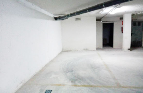 Parking voiture  Calle arquitecto romaní, 37. Plaza de garaje situada en el núcleo urbano de la localidad de c