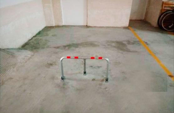Aparcament cotxe  Calle tierno galván, 61. Plaza de garaje abierta, situada en el sótano de edificio de viv