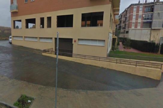 Parking coche  Calle reus. Parking en tarragona. dispone de una superficie de 27 m². ubicad