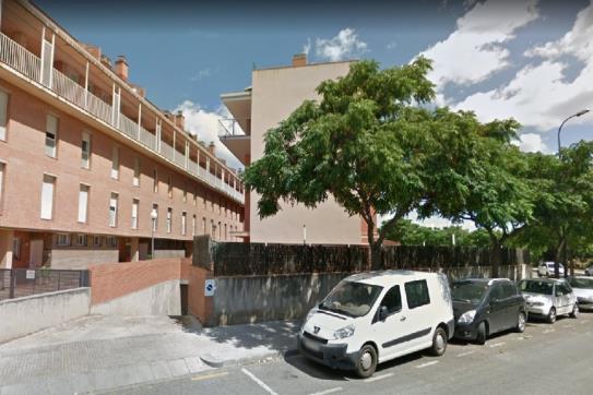 Warehouse  Calle teresa de calcuta. Trastero en Reus, tarragona. cuenta con una superficie de 9 m².