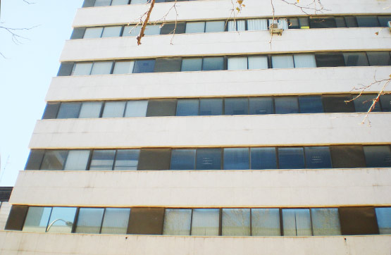 Oficina  Calle profesor beltran baquena. Oficina completamente reformada, de 131 m2 construidos, en valen