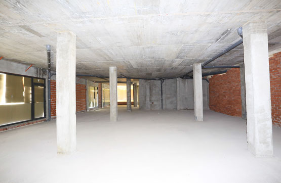 Business premise  Calle ronda de l'eixample 37- 67, 37. Local comercial de 254 m2 construidos ubicado en vilanova del va
