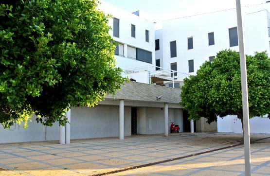 Local Comercial  Avenida cayetano feu, 35. Local ubicado en la avenida cayetano en el municipio de ayamonte