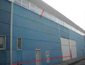 Nau industrial  Calle. La nave se desarrolla en dos plantas, situándose en su planta ba