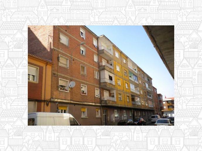 Foto 1 de Piso en  Calle Peña Larzón / San Esteban, León Capital