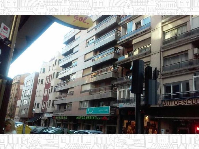 Foto 1 de Piso en  Calle Villa Benavente / Centro Ciudad, León Capital