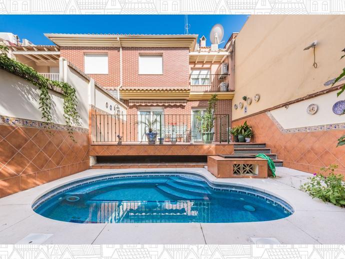 Foto 1 de Casa adosada en Malaga ,Pedregalejo / Pedregalejo, Málaga Capital