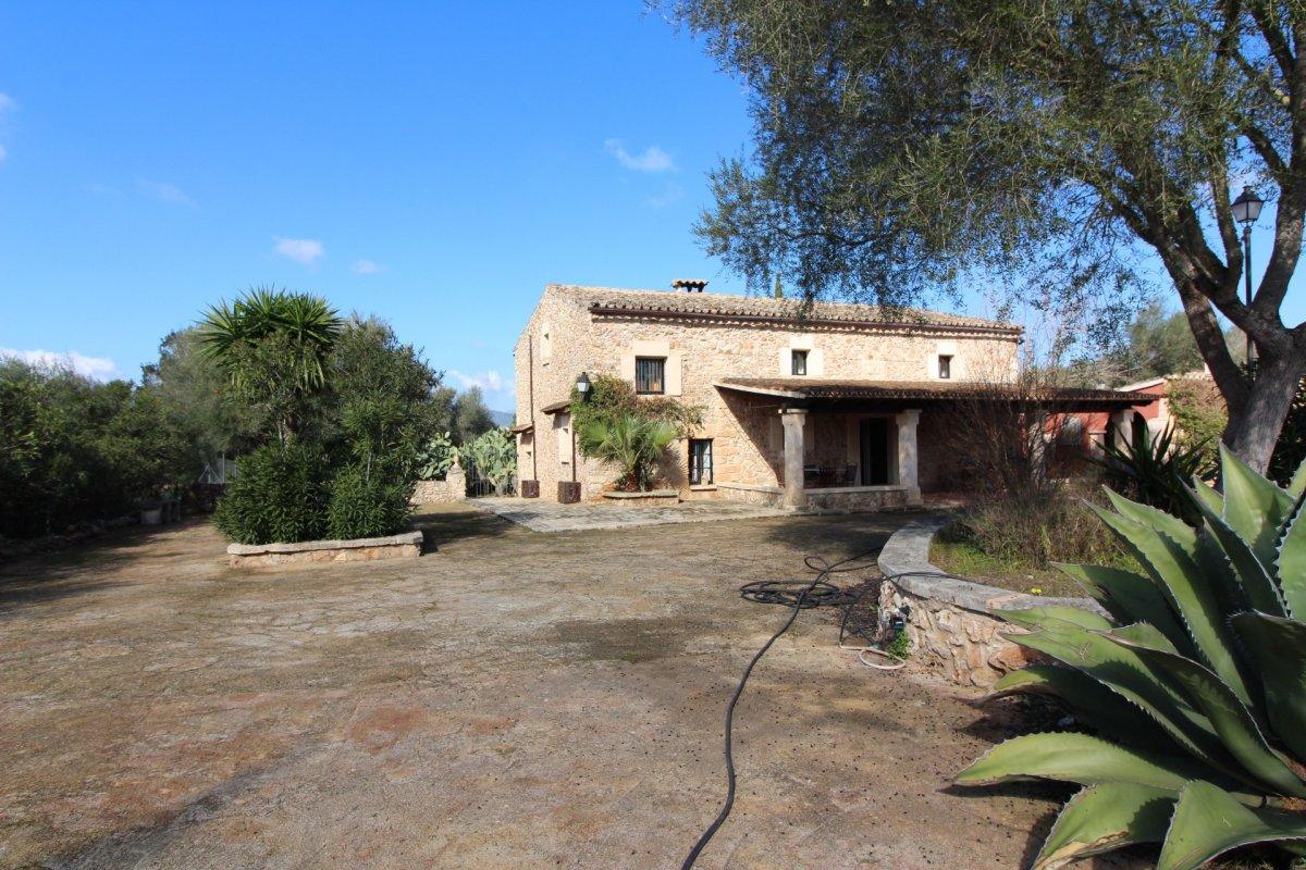 Casa  Sector 12. Pequeño hotel rural con licencia de actividad turistica