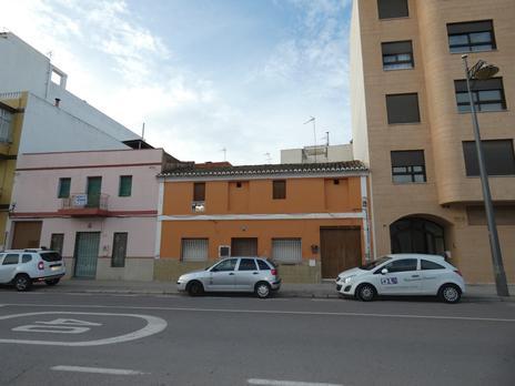 Edificis en venda a La Pobla de Vallbona