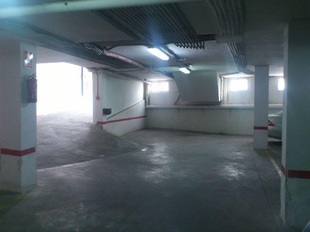 Parking coche  C/ juan xxiii. Solvia inmobiliaria - garaje churriana de la vega